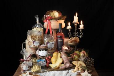 idea cesta natalizia gladiolo con formaggi e specialità pugliesi